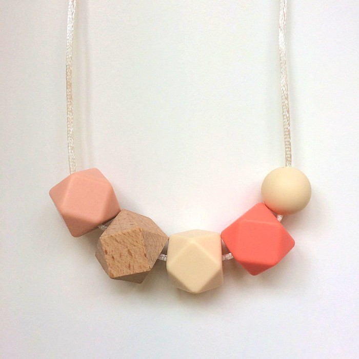 Jambu Beads Miranda Necklace Coral