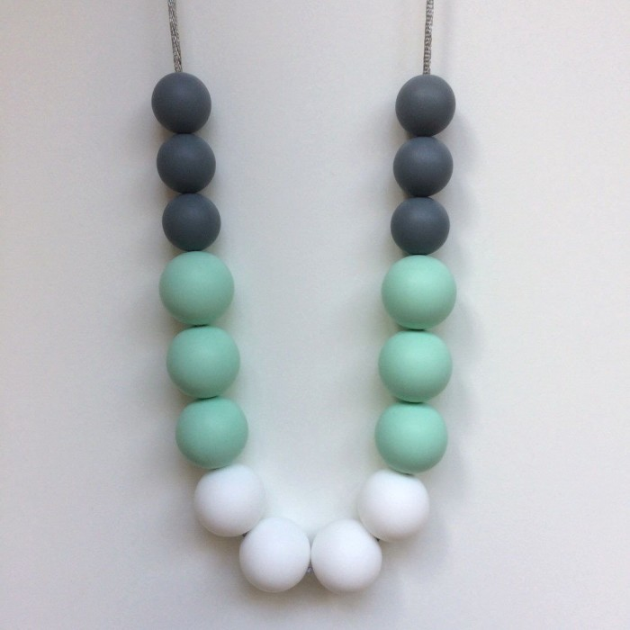 Jambu Beads Peony Necklace Mint Grey